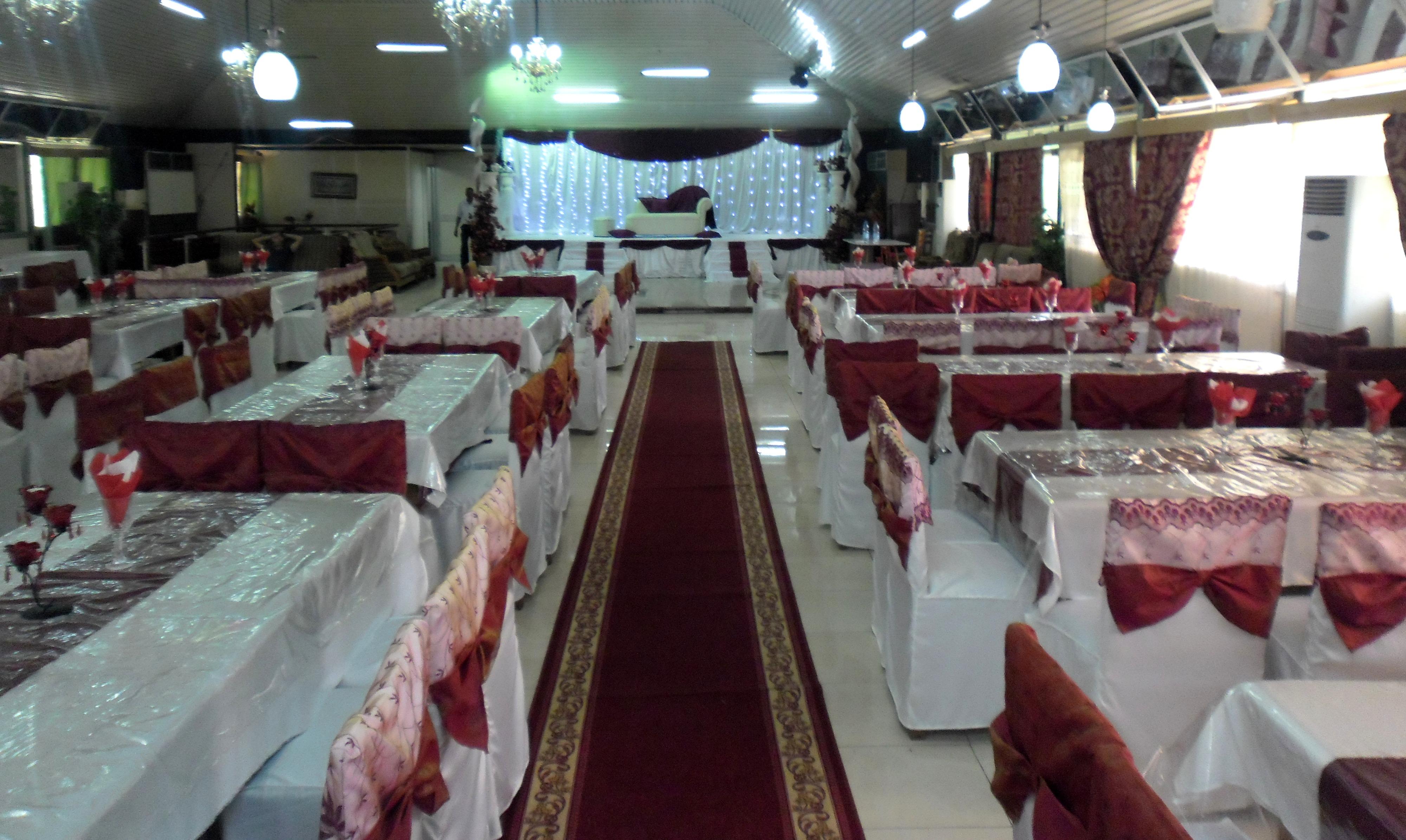 Décoration de salle de Féte et Mariage