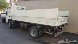 شاحنة نقل البضائع على كل المسافات في الجزائر