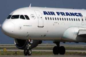 بيان القنصلية الفرنسية بالجزائر: الخطوط الجوية الفرنسية تعلن استئناف رحلاتها من الجزائر بداية من غدا الاثنين