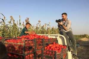 Êtes-vous un vidéaste ou un photojournaliste qui souhaite couvrir un sujet social, économique, politique ou culturel d'une manière photojournaliste ?