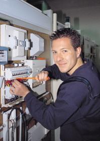 IMPORTANTE SOCIETE ETRANGERE IMPLANTEE A BETHIOUA CHERCHE DES TECHNICIENS EN ELECTRICITE-ELECTRONIQUE - AUTOMATISME
