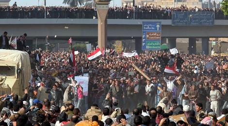 اشتباكات دامية بين محتجين والشرطة في القاهرة