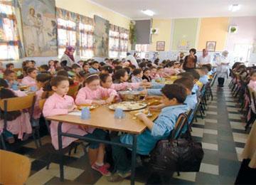 حرمان أكثر من 9 آلاف تلميذ من الوجبات الغذائية مير أدرار في قفص الإتهام والفيدرالية تناشد السلطات