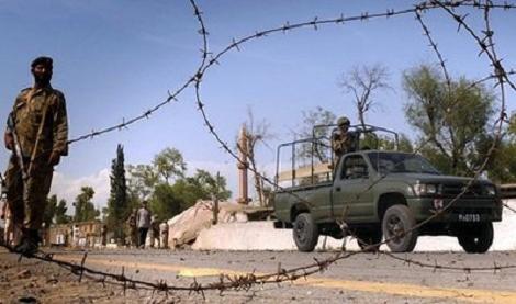 ثمانية قتلى على الأقل في هجوم انتحاري في بيشاور