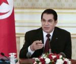 ''الجيش التونسي تخلى عن بن علي وقد يلعب دور الوسيط '' سفير فرنسي سابق: