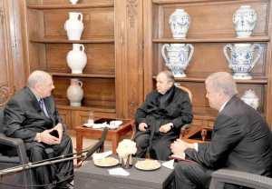 Première photo du Président Bouteflika depuis 50 jours