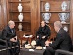 La télévision a diffusé hier des images du président en compagnie de Sellal et Gaïd Salah Bouteflika réapparaît