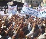 مظاهرتان في اليمن واعتقال 15 شخصا إحداهما للمطالبة بالتغيير وأخرى مؤيدة للرئيس