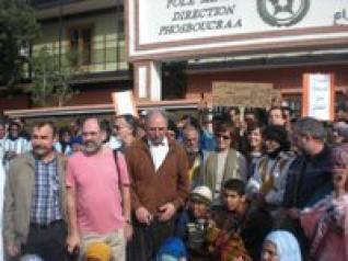 عمال شركة فوسبوكراع ينظمون وقفة احتجاجية بمدينة بالعيون المحتلة