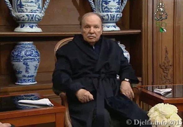 """أولى الصور التي تظهر الرئيس عبد العزيز بوتفليقة بعد 45 يوما من تعرضه لجلطة دماغية """"عابرة"""" لدى استقباله سلال و قايد صالح"""
