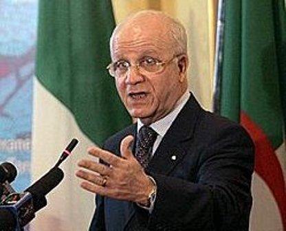 Paris encourage le processus d'Alger visant à résoudre le conflit dans le Nord du Mali Medelci affirme aux Français la position de l'Algérie vis-à-vis de la solution de la crise en Syrie