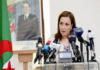 La ministre de la Solidarité pour le retour des assistantes sociales