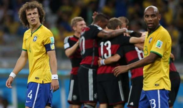 لماذا نجح تكتيك لوف الهجومي أمام البرازيل ولم ينجح أمام الجزائر وفرنسا ؟