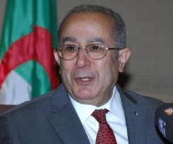 الجزائر تبذل جهودا جبارة لتسوية الأزمة المالية في كنف الوضوح والشفافية