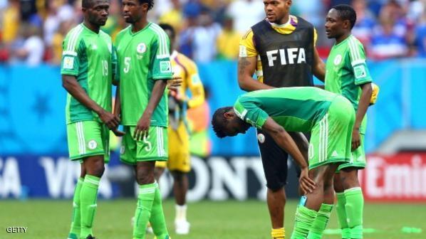 الفيفا يمنع نيجيريا من المشاركة بالبطولات الدولية