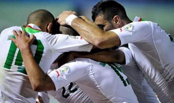 6 لاعبين جزائريين مطلوبين في قطر