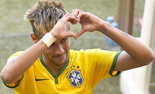 نيمار سيرافق المنتخب البرازيلي في مباراة المركز الثالث