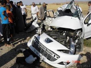 مقتل ثلاثة أشخاص و إصابة أربعة آخرين في حادثي سير منفصلين بكل من حاسي بحبح و حاسي فدول