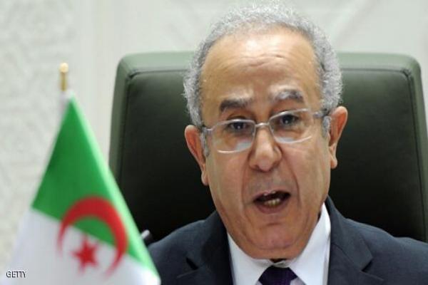 دول الجوار يكلفون الجزائر بالجانب العسكري في ليبيا