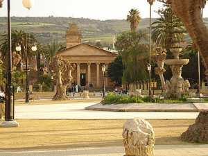 Cherchell et sa mosquée aux cent colonnes