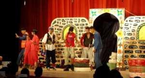 Ambiance joyeuse au festival culturel national du th��tre pour enfants � Khenchela
