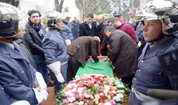 جثمان الفقيد محمد السعيد معزوزي يوارى الثرى بمقبرة بن عكنون