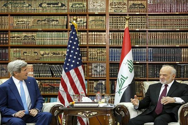 كيري يصل بغداد في زيارة مفاجئة