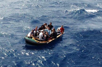 إنقاذ 120 حراڤ جزائري من موت محقق في المتوسط