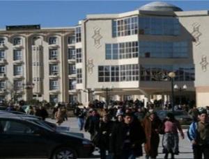 معركة بين موظفين تفجر الوضع بجامعة باتنة