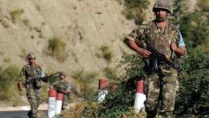 الجيش الجزائري يقتل ثلاثة متشددين