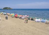 Son sable est fin et son ciel est bleu azur Tigzirt : une île fascinante au milieu des collines