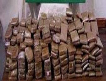 حجز 4 أطنان من المخدرات بالحدود الجزائرية المغربية المهربون لاذوا بالفرار في كمين معمر بالنعامة