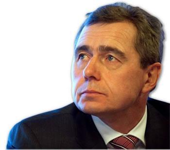 Le patron d'Opel et GM Europe démissionne INTERNATIONAL