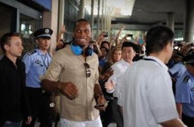 دروغبا يحظى باستقبال الأبطال في الصين
