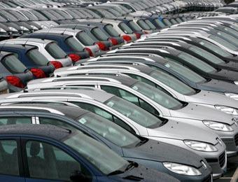 شراكة جزائرية إماراتية ألمانية لصناعة السيارات على المحك تم التوقيع أمس على عقود إنشاء 3 شركات ذات رأسمال مختلط