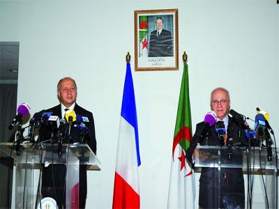 Alger et Paris nuancent leurs approches sur le Mali Entre la solution politique et l'intervention militaire