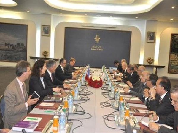 مدلسي الجزائر و فرنسا تقرران إتمام الاتفاقات الأولوية في تعاونهما
