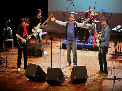 Hymne à la liberté, des chansons à la gloire de l'Algérie et ses martyrs Chants patriotiques revisités par les jeunes artistes de Serial Taggeur