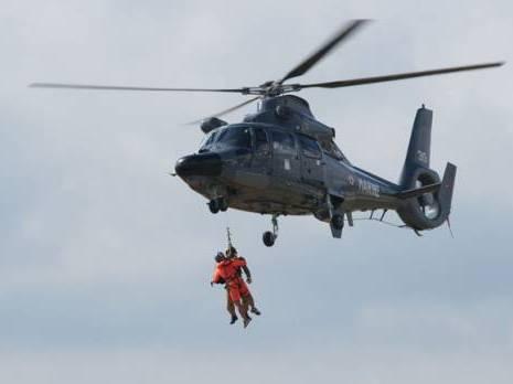 12 campeurs hélitreuillés par les gardes-côtes Bloqués Sur un îlot à annaba
