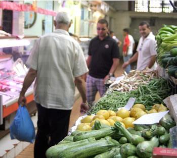 La fièvre acheteuse s'empare des Algérois AMBIANCE À ALGER, À LA VEILLE DU RAMADHAN