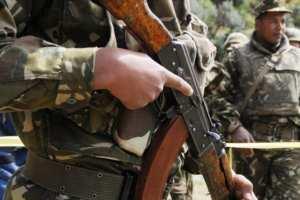 الجيش يقضي على مهرب ويسترجع أسلحة بأدرار