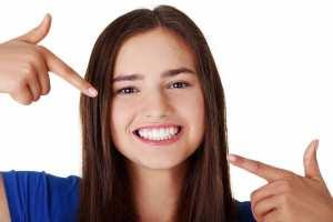 إليكم هذه النصائح للحصول على أسنان براقة طبيعية!