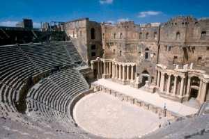 المسرح الروماني بقالمة لؤلؤة تسحر الزائرين بتماثيلها النادرة