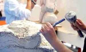 Sétif: la taille de pierre, une activité ancestrale dans la région de Djemila