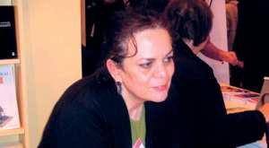 BIOGRAPHIE SUZANNE EL KENZ
