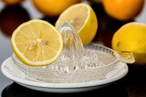 Eau au citron: voici l'erreur que commettent des millions de gens tous les matins