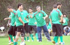 MCA : Menad met en garde ses joueurs : « Attention à l'excès de confiance ! »