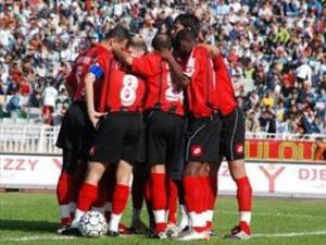 اتحاد الجزائر يقدم لاعبيه الجدد