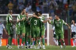 لاعبون جزائريون يتراجعون عن زيارة بلدهم بعد الهزيمة.