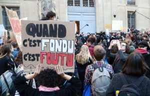 Planète (France) - «L'Affaire du siècle»: Greenpeace va attaquer l'Etat en justice pour son «inaction contre le climat»